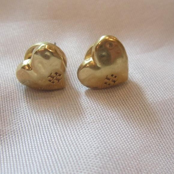 20627c748 Tory Burch Hammered Gold Heart Earrings. M_5b4cd801baebf6bba32816ea